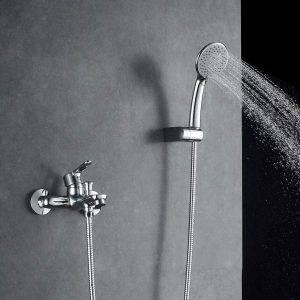 grifo moderno de bañera