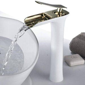 grifo blanco alto de lavabo