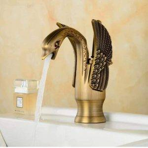 grifo de lavabo de latón